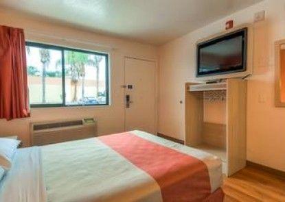 Motel 6 Los Angeles - El Monte