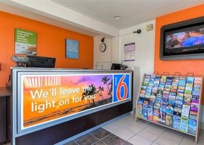 Motel 6 Los Angeles - Harbor City