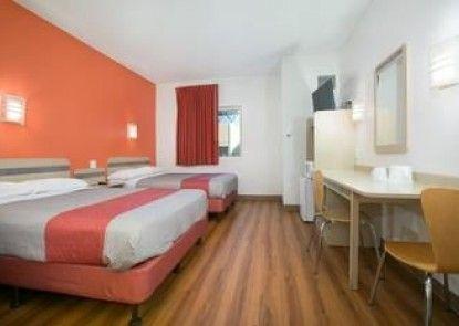 Motel 6 Minneapolis - Brooklyn Center