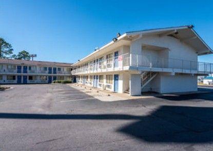 Motel 6 Montgomery