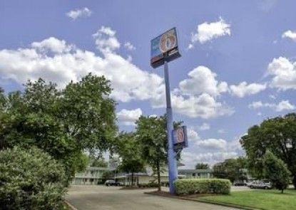 Motel 6 Nashville - Goodlettsville