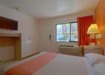 Motel 6 Palm Springs East-E Palm Canyon
