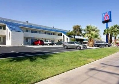 Motel 6 Palm Springs North