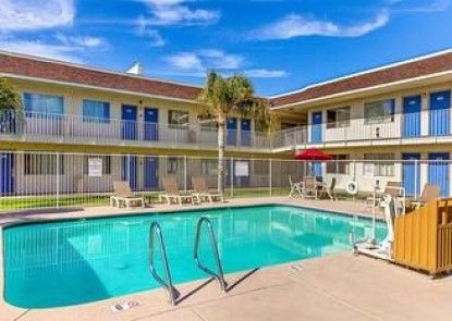 Motel 6 Phoenix North - Bell Road