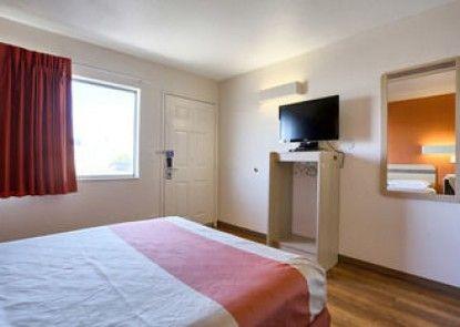 Motel 6 Pittsburg
