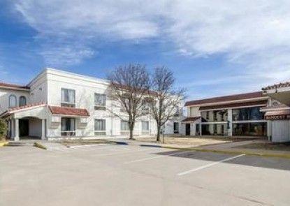 Motel 6 Pratt, KS