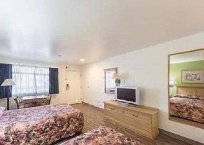 Motel 6 Rice Hill