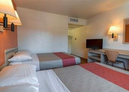 Motel 6 Riverside West - Jurupa Valley