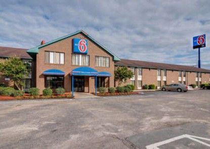 Motel 6 Roanoke Rapids NC