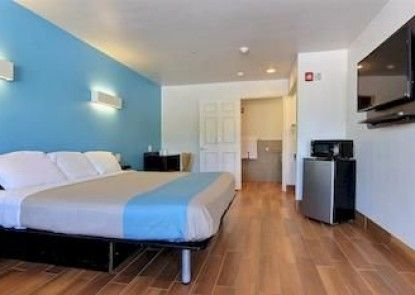 Motel 6 Rockport,TX