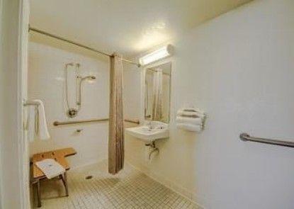 Motel 6 San Antonio - Ft Sam Houston