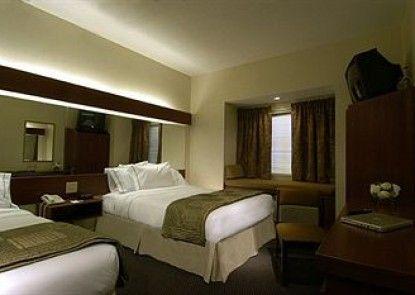Motel 6 Savannah - South