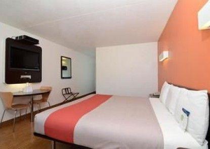 Motel 6 Southhaven Ks