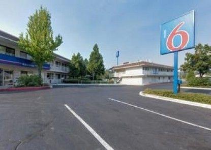 Motel 6 Weed - Mount Shasta
