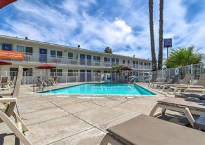 Motel 6 Westminster South - Long Beach