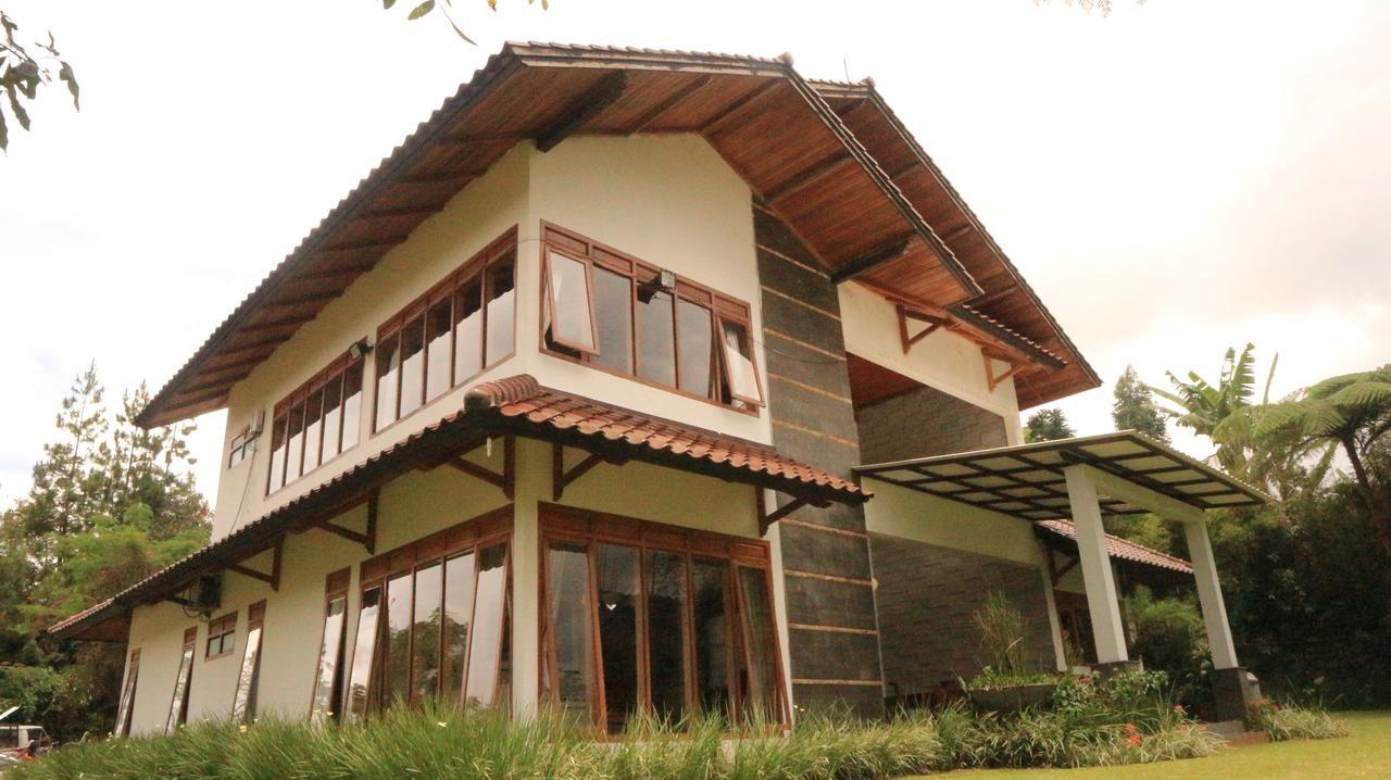 Mulberry Cottage, Bandung