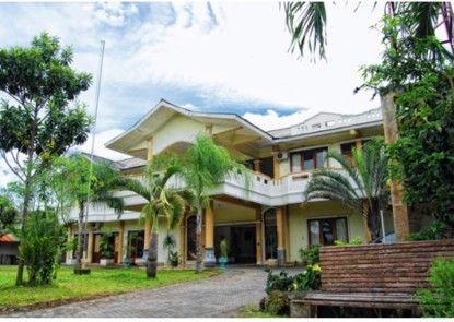 Museum Batik Hotel Eksterior