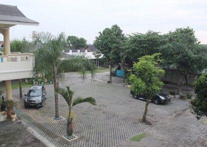 Museum Batik Hotel Tempat Parkir