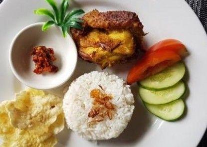 Mutiara Suites Makanan