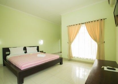 Nadia Pansion & Cottages Ruangan Suite