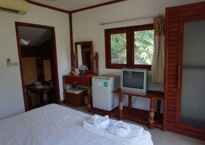 Nakhaburi Hotel & Resort