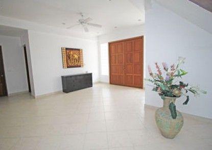 Naklua Pool Villa by Pattaya Sunny Rentals