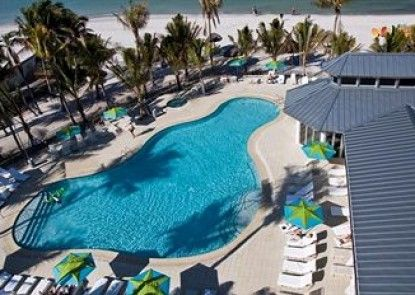 Naples Beach Hotel and Golf Club Teras