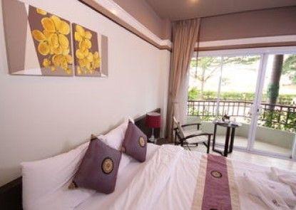 Narakul Resort Hotel