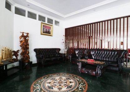 Narima Resort Hotel Teras