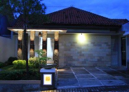Natura Rumah Singgah Purwokerto (Boutique Guest House) Bungalow