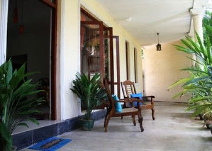 NATURES BLISS GARDEN STAY