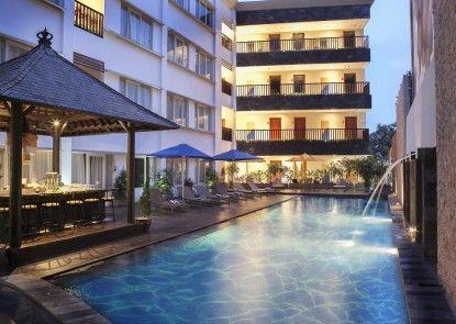 Natya Hotel Kuta Eksterior