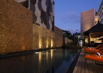 Natya Hotel Kuta Kolam Renang Utama