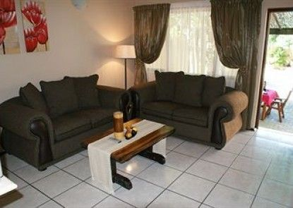 Ndiza Lodge & Cabanas