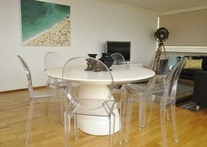 Neutral Bay 46 Young Furnished Apartment