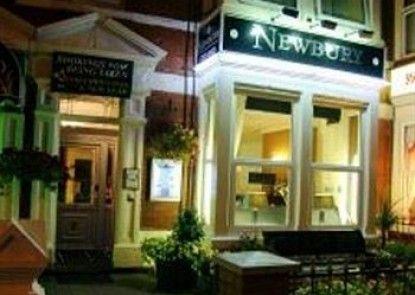 Newbury Hotel Teras