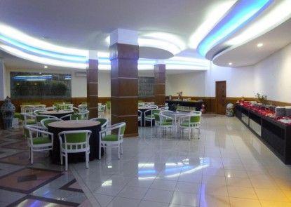 Hotel Puri Garden Bandara Teras