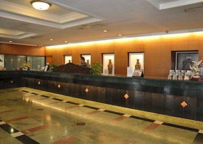 New Metro Hotel Teras