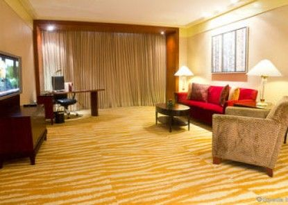 New World Manila Bay Hotel (Formerly Hyatt Regency Hotel)