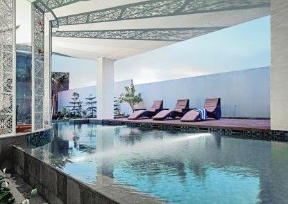 Nexa Hotel Bandung Kolam Renang
