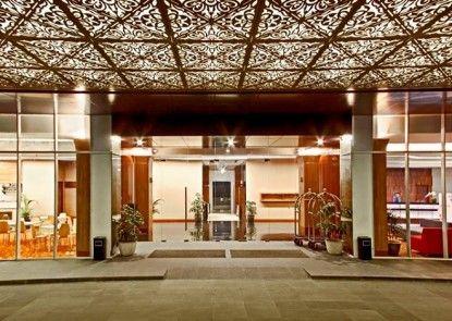 Nexa Hotel Bandung Pintu Masuk