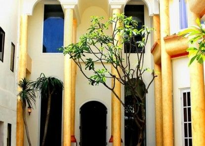 Next Tuban Bali Hotel Eksterior