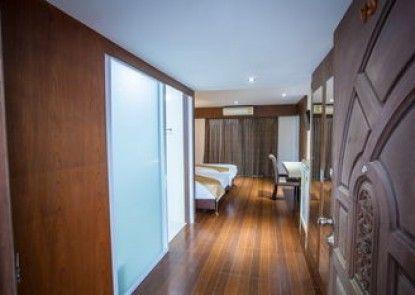 NH Elegant Hotel