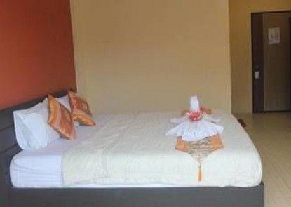 Nichakarn Massage & House