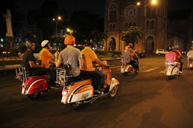 Night Tour by Vintage Vespa