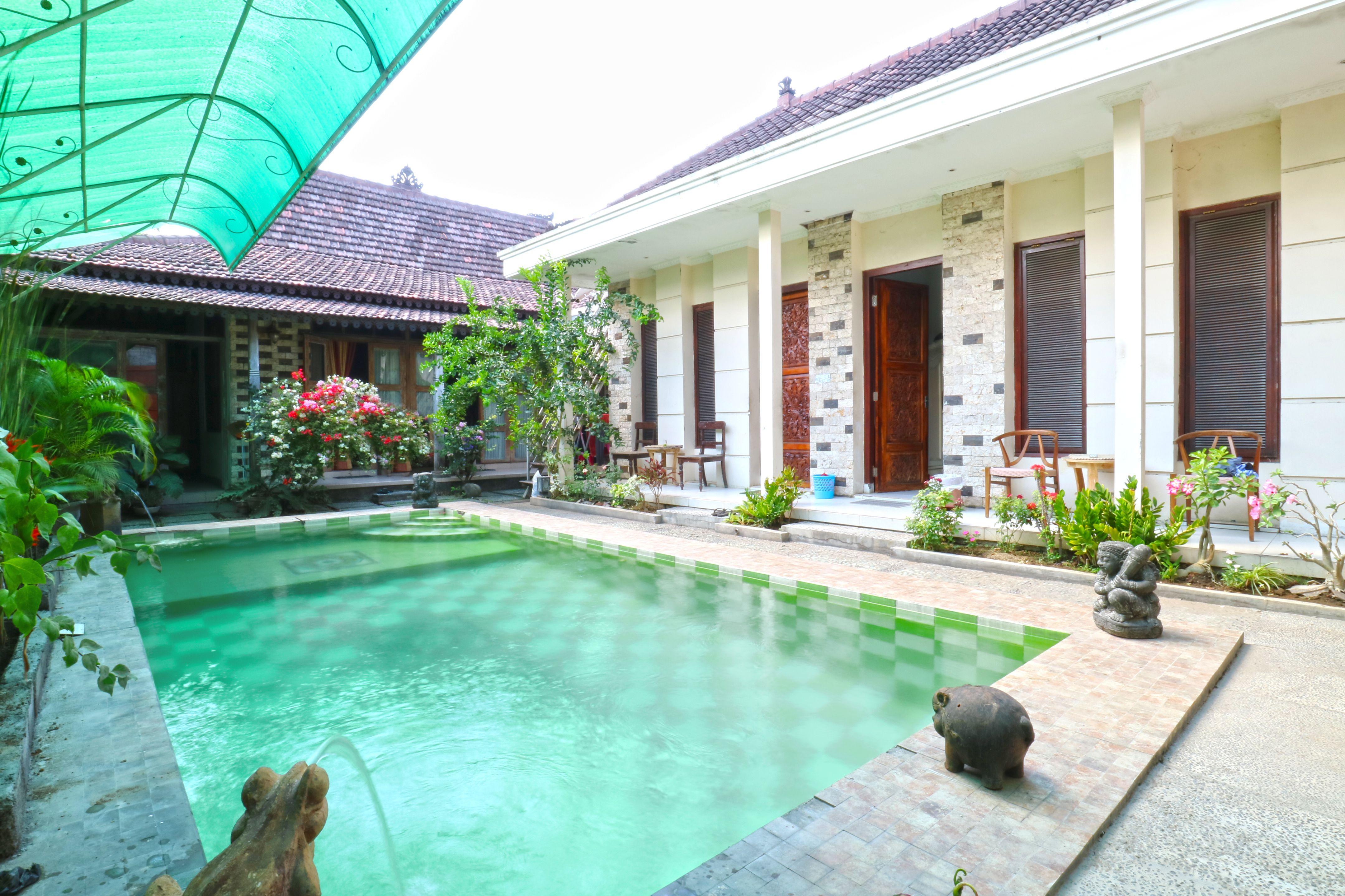 Nira Guest House, Denpasar