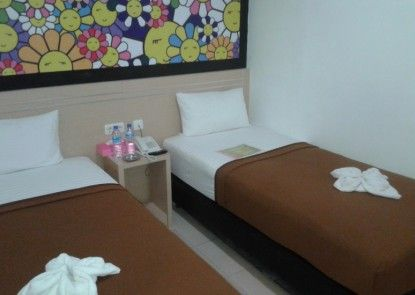 Nite & Day Hotel Melawi - Nanga Pinoh Kamar Tamu