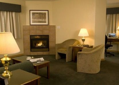 Nomad Hotel and Suites