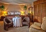 Pesan Kamar Suite Junior, 2 Tempat Tidur Queen di Norsemen Inn