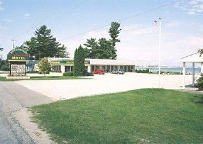 Northwinds Motel Teras